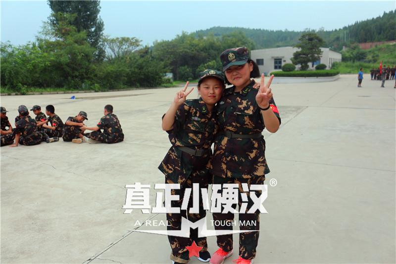 夏令营首选 真正小硬汉2021(济南)小硬汉军事夏令营火热报名中。